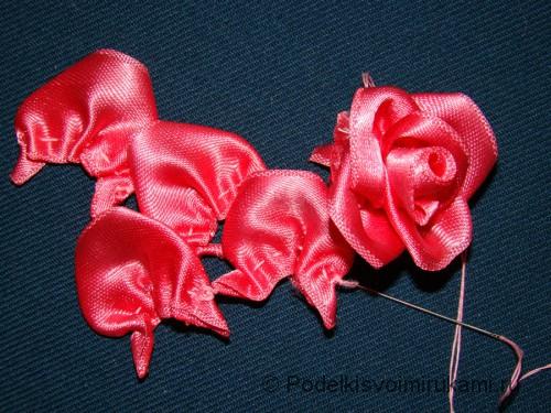 Цветок канзаши из атласной ленты. Шаг №10.