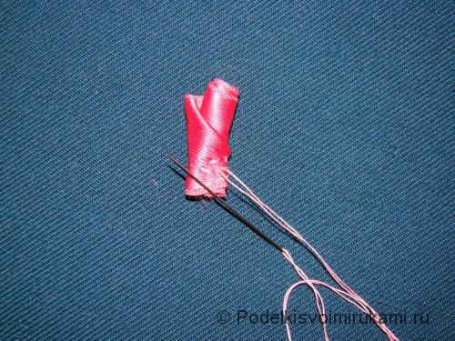 Цветок канзаши из атласной ленты. Шаг №8.