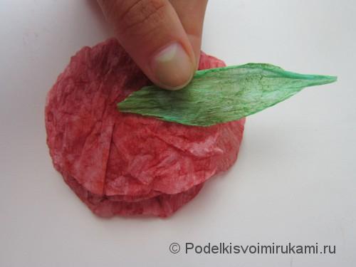 Как сделать розу из бумаги своими руками. Шаг №10.