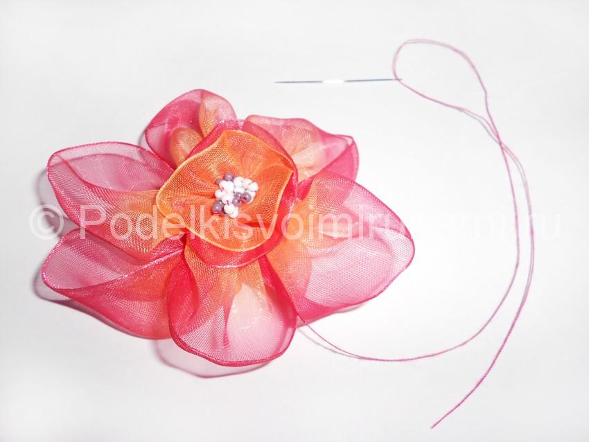 Сделать цветы из капроновой ленты своими руками 229