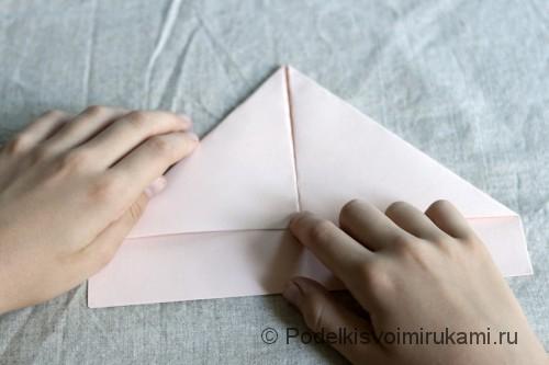 Изготовление бумажного кораблика - фото №4.