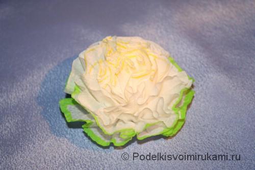 Как сделать цветы из салфеток. Итоговый вид поделки. Фото 1.