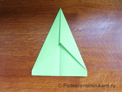 Как сделать самолётик из бумаги своими руками. Шаг №4.