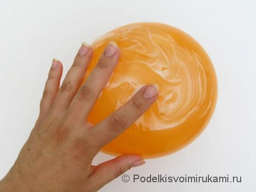 Как сделать шарик из ниток своими руками. Шаг №2. Фото 2.