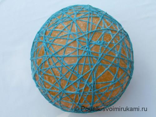 Как сделать шарик из ниток своими руками. Шаг №3. Фото 3.