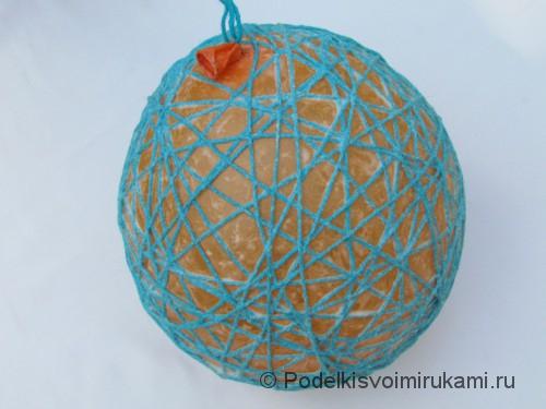 Как сделать шарик из ниток своими руками. Шаг №3. Фото 4.