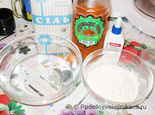 Как сделать солёное тесто для поделок. Шаг №1.