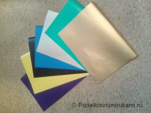 Как сделать четырёхконечный сюрикен из бумаги. Шаг №1.