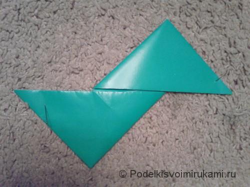 Как сделать четырёхконечный сюрикен из бумаги. Шаг №6. Фото 2.