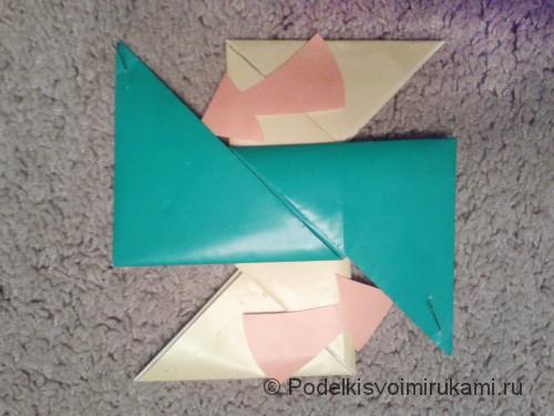 Как сделать четырёхконечный сюрикен из бумаги. Шаг №9. Фото 1.