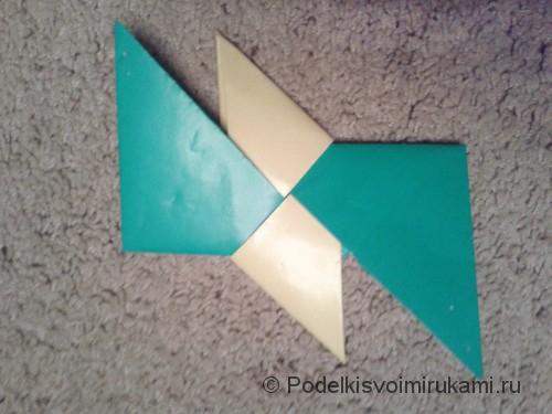 Как сделать четырёхконечный сюрикен из бумаги. Шаг №9. Фото 3.