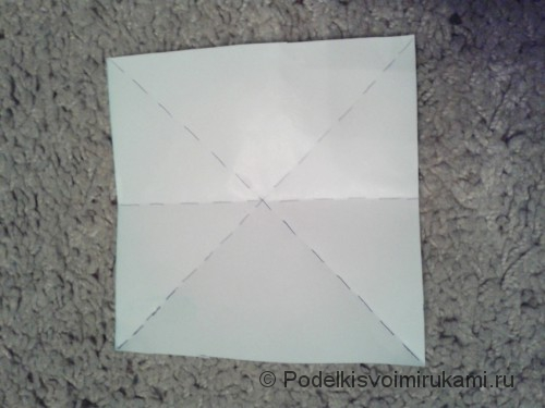 Как сделать восьмиугольный сюрикен из бумаги. Шаг №2.
