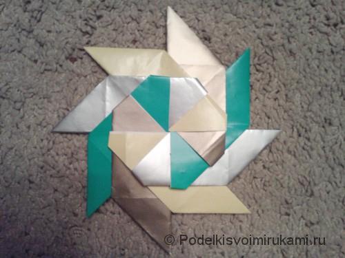 Как сделать восьмиугольный сюрикен из бумаги. Итоговый вид поделки восьмиугольного сюрикена.