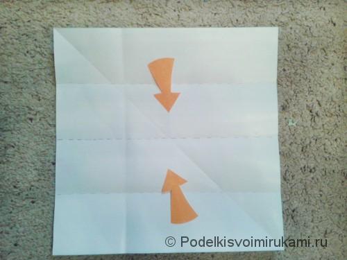 Как сделать четырёхконечный сюрикен из бумаги. Шаг №3. Фото 1.