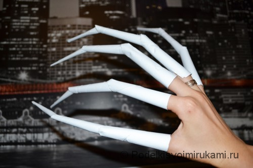 Как сделать когти из бумаги. Итоговый вид поделки. Фото 16.