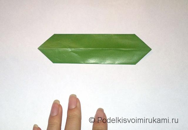 Как сделать лилию из бумаги. Шаг №1. Фото 10.