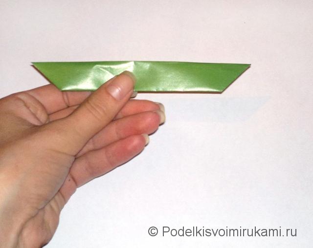 Как сделать лилию из бумаги. Шаг №1. Фото 12.