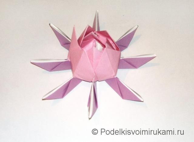 Как сделать лилию из бумаги. Шаг №3. Фото 20.