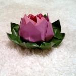 Как сделать лилию из бумаги. Итоговый вид поделки лилии.
