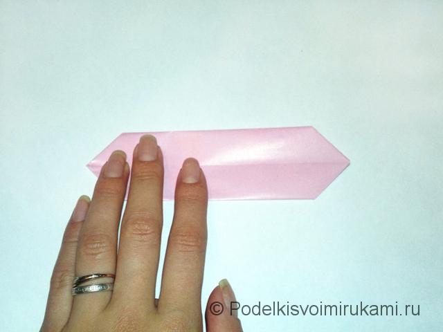 Как сделать лилию из бумаги. Шаг №1. Фото 7.