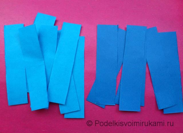 Как сделать объёмную снежинку из бумаги. Шаг №3.