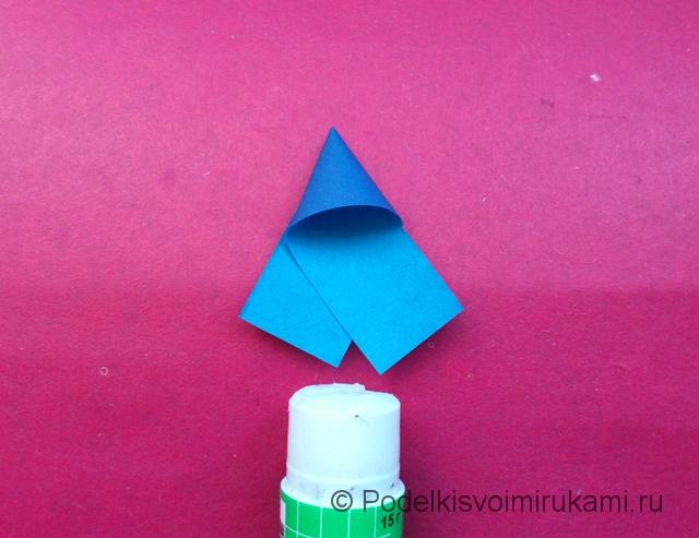 Как сделать объёмную снежинку из бумаги. Шаг №4.