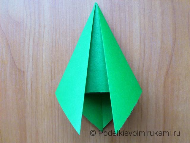 Ёлка оригами из бумаги своими руками. Шаг №10.