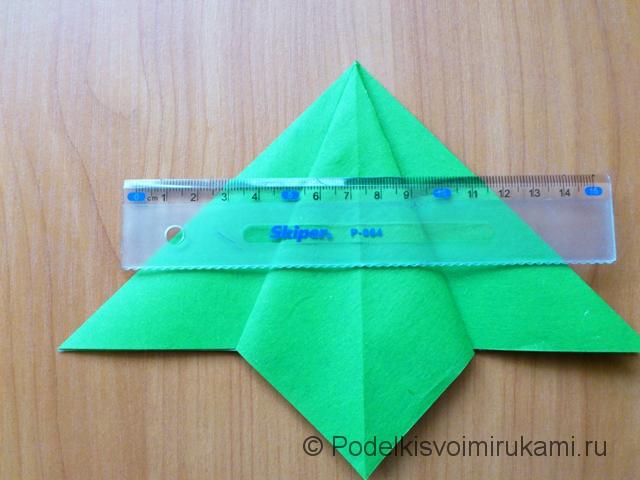 Ёлка оригами из бумаги своими руками. Шаг №11.