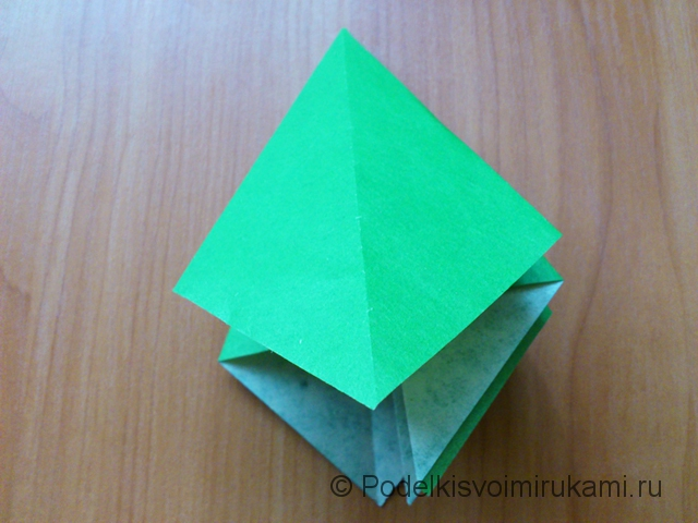Ёлка оригами из бумаги своими руками. Шаг №19.