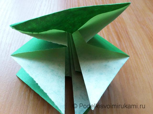 Ёлка оригами из бумаги своими руками. Шаг №24.