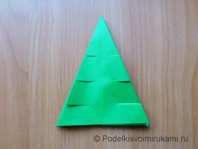 Ёлка оригами из бумаги своими руками. Шаг №27.