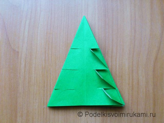 Ёлка оригами из бумаги своими руками. Шаг №28.