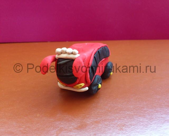 Автобус из пластилина. Итоговый вид поделки. Фото 1.