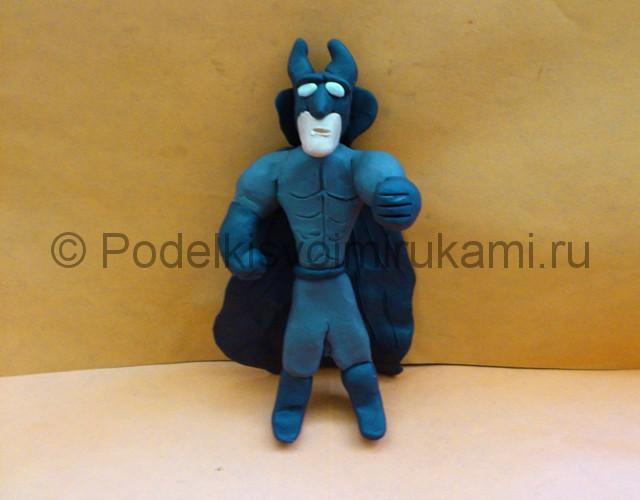 Бэтмен из пластилина. Итоговый вид поделки. Фото 1.
