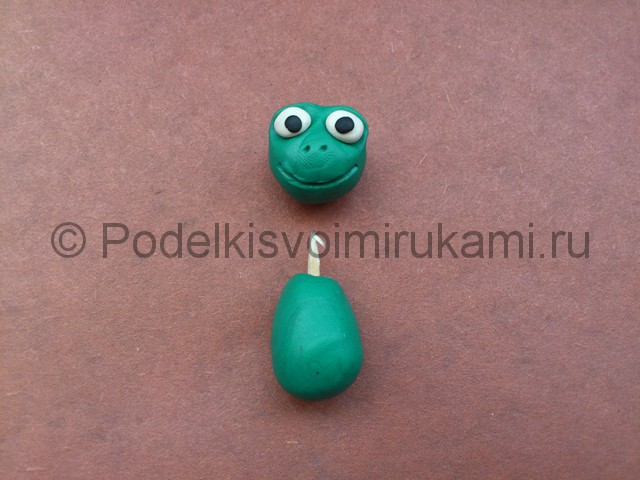 Царевна-лягушка из пластилина. Шаг №5.