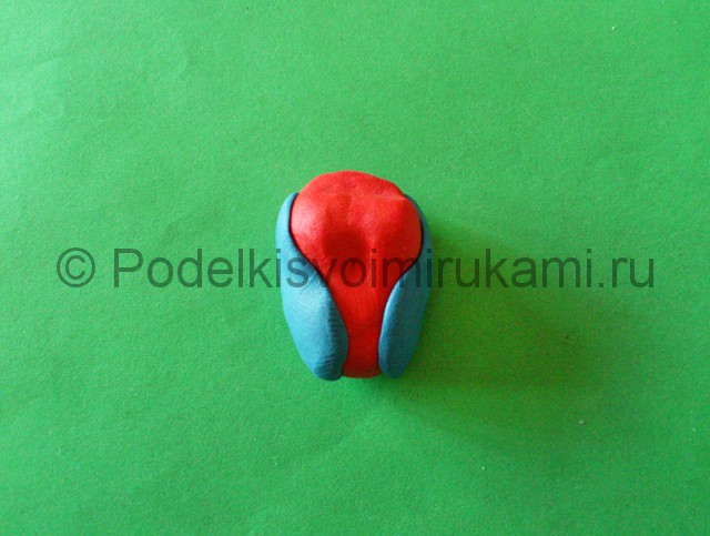Человек-паук из пластилина. Шаг №5.