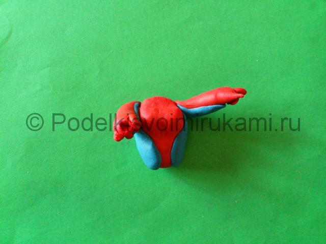 Человек-паук из пластилина. Шаг №7.