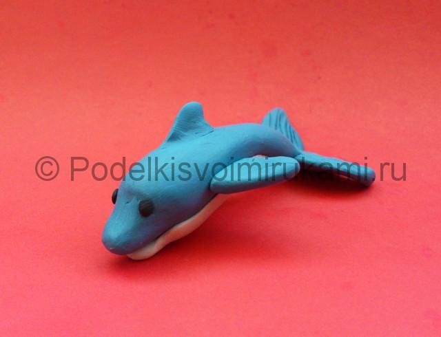 Дельфин из пластилина. Итоговый вид поделки. Фото 1.