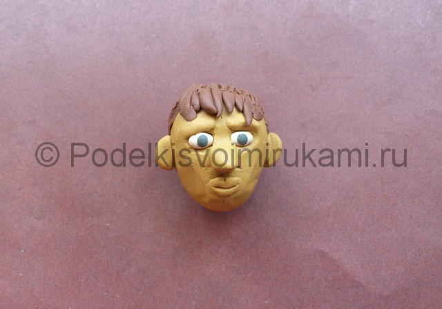 Голова человека из пластилина. Итоговый вид поделки. Фото 2.