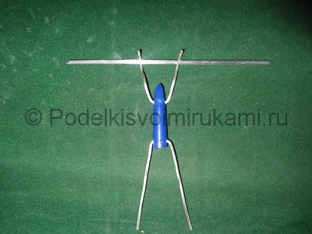 Как сделать гимнаста своими руками. Шаг №18. Фото 1.
