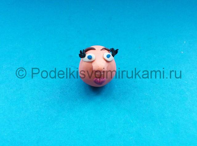 Как сделать куклу из пластилина. Шаг №3.