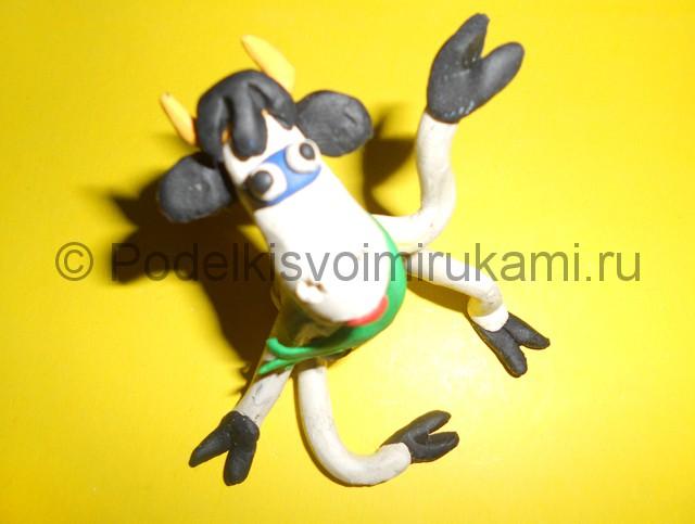 Как слепить корову из пластилина. Итоговый вид поделки. Фото 3.