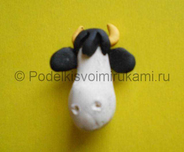 Как слепить корову из пластилина. Шаг №4.