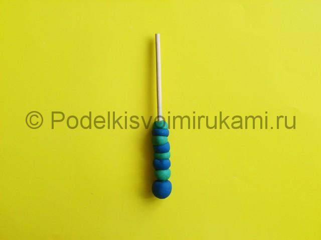 Лепка меча из пластилина. Шаг №3.