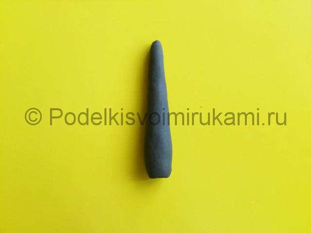 Лепка меча из пластилина. Шаг №5.