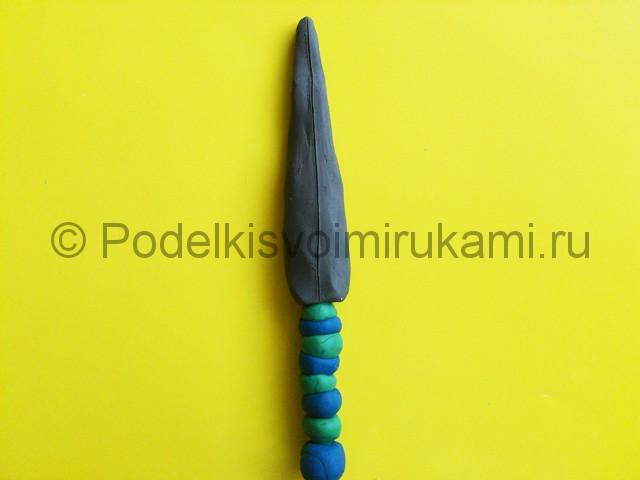 Лепка меча из пластилина. Шаг №6.