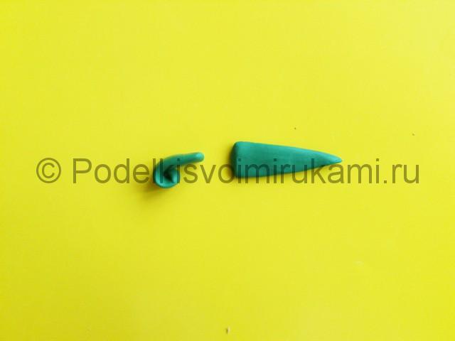 Лепка меча из пластилина. Шаг №8.