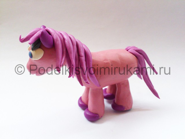 Как сделать малитал пони из пластилина видео