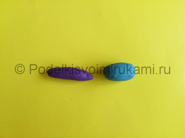 Лепка стрекозы из пластилина. Шаг №2.