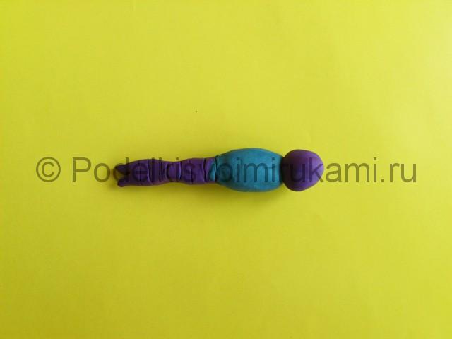 Лепка стрекозы из пластилина. Шаг №5.